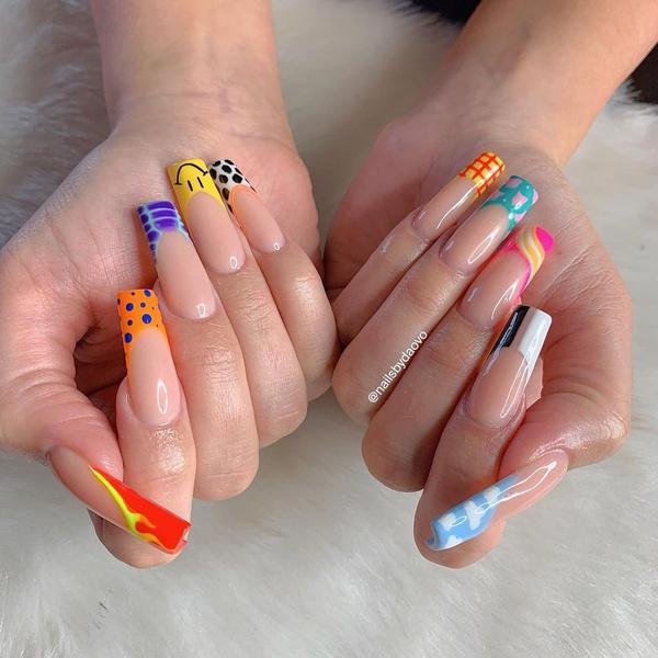 Фото №26 - Позалипать и вдохновиться: 45 крутых идей маникюра для длинных ногтей 💅