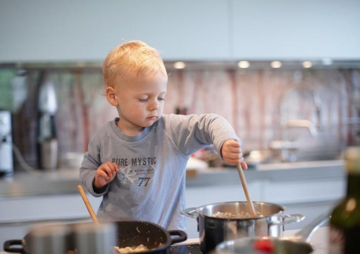 Фото №2 - Чем заняться с малышом на кухне