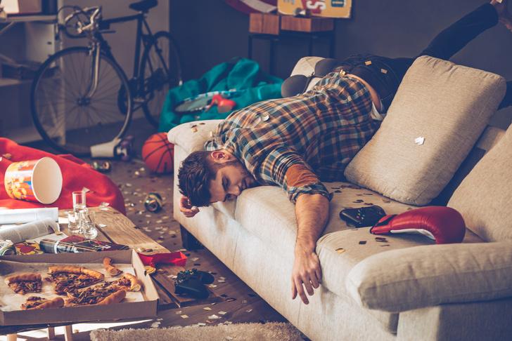 Фото №1 - Оказалось, что количество секса в жизни холостяков зависит от одной простой утренней привычки