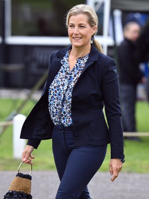 Фото №2 - Помоловочное кольцо Софи Уэссекской: как оно выглядит, и почему графиня его не носит