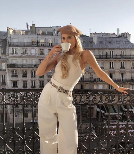 Фото №1 - Встречаем весну в стиле «Парижский шик»— смотри, какую одежду купить, чтобы быть в тренде 🌸