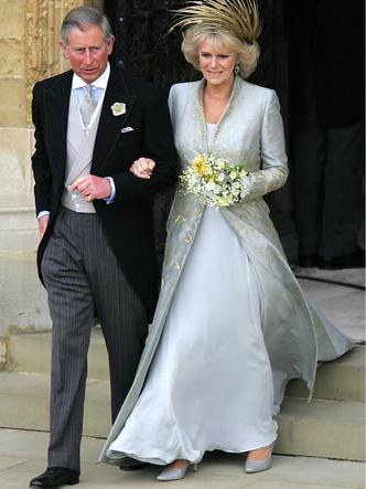 Фото №8 - Платья-близнецы: 15 слишком похожих свадебных нарядов королевских особ