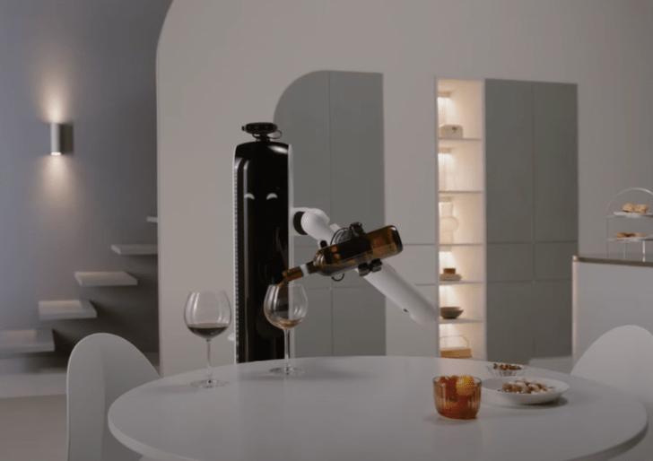 Фото №1 - Появился робот, который умеет наливать бокал вина в конце тяжелого дня