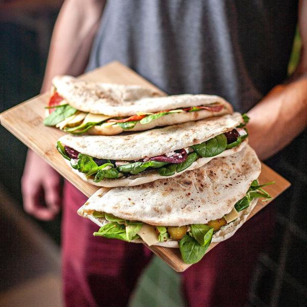 Фото №5 - Пальчики оближешь: 5 рецептов вкусных сэндвичей