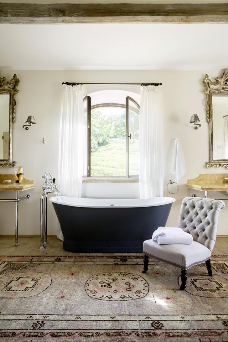 Фото №2 - Ванная комната в классическом стиле: 12 проектов с комментариями дизайнеров