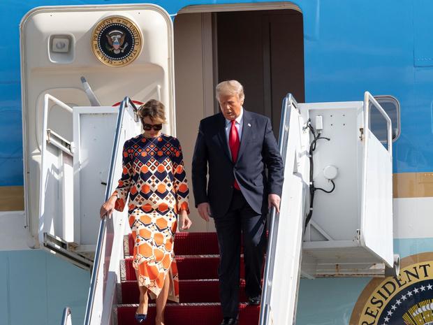 Фото №2 - Свободная и счастливая: первый светский выход Мелании Трамп после Белого дома