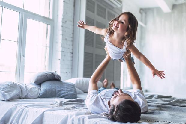 Фото №4 - Почему дети любят залезать в постель родителей?