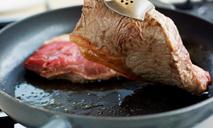 Готовим мясо по-французски на сковороде
