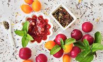 Конфитюр из красной сливы с чаем ройбуш
