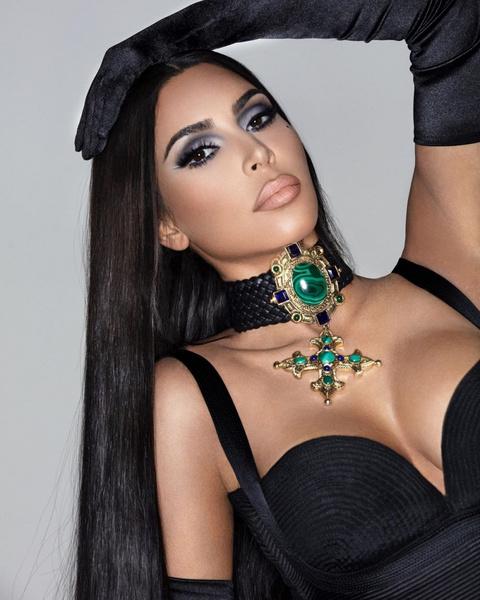 Фото №3 - Поклонники подозревают, что Ким Кардашьян снова сделала ринопластику