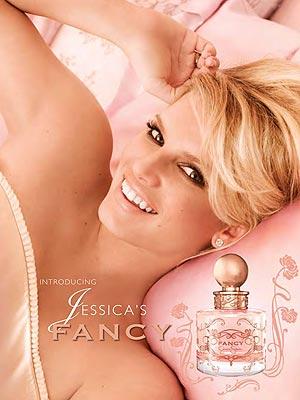 Фото №5 - Звезды в рекламе своих ароматов