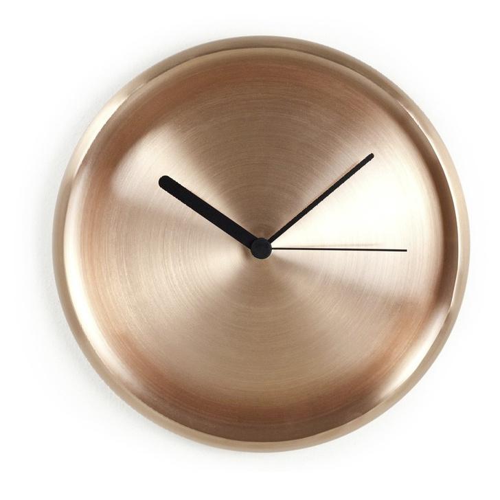 Фото №2 - Пробил час: стильные часы для вашего дома