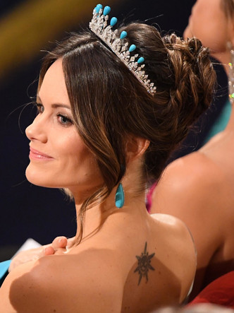 Фото №8 - Принцесса из сказки: самые эффектные выходы Софии Шведской в тиарах