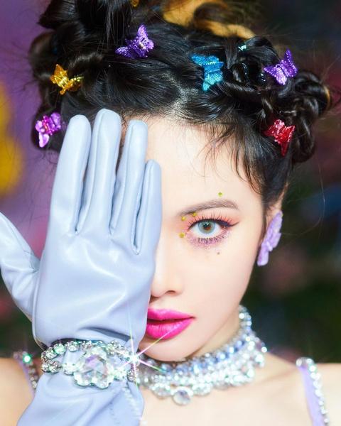 Фото №6 - Для самых креативных и смелых: 7 необычных причесок Хёны