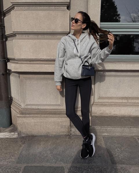 Фото №1 - Женские худи с капюшоном— невероятный комфорт и стильный образ