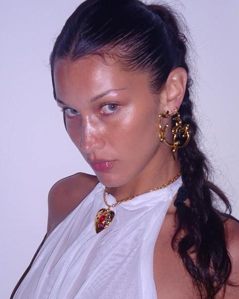 Фото №2 - Тонкие брови снова в моде: доказывает и показывает Белла Хадид
