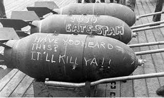 Бомба с цыплятами, бомба с афродизиаками и другие странные бомбы