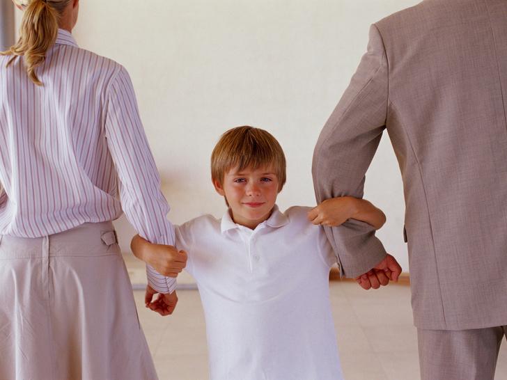 Фото №1 - Папа ушел от нас: как правильно объяснить ребенку, что его родители разводятся