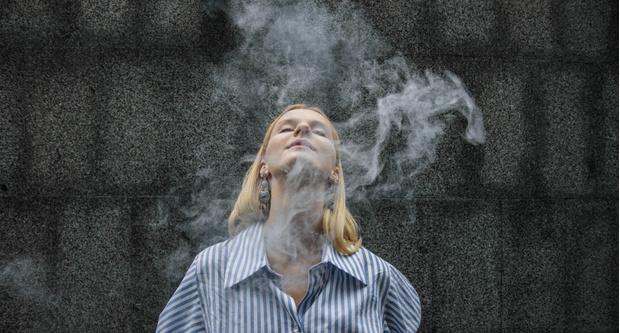 Фото №2 - Need Help: Мама спалила, что я курю. Что делать?