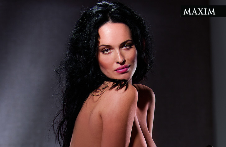 Фото №1 - Откровенные фото певицы и модели Даши Астафьевой в MAXIM— вспоминаем в ее день рождения