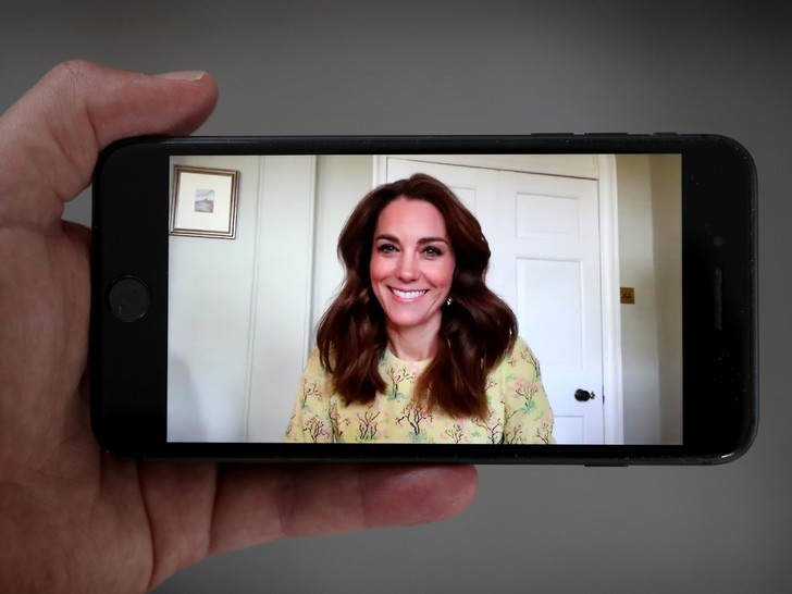 Фото №2 - Новые правила: какие придворные традиции Кейт изменит, когда станет королевой