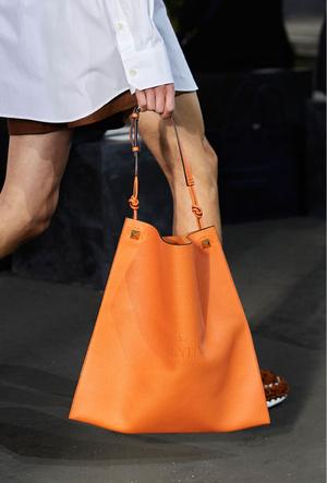 Фото №20 - Самые модные сумки весны и лета 2021