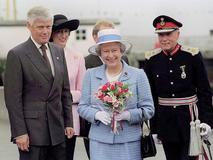 Фото №4 - Верная подруга: кто такая леди Сьюзан Хасси— женщина, сопровождавшая Королеву на похоронах Филиппа