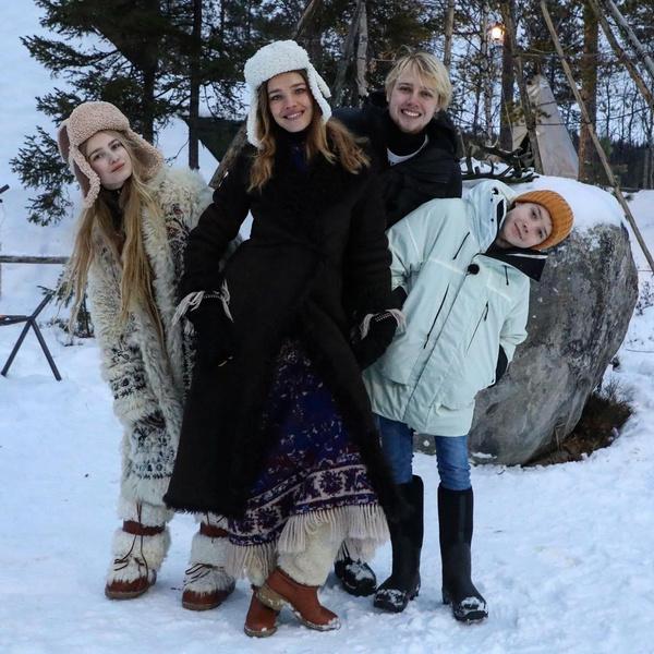 Наталья Водянова увезла детей в глухую русскую деревню: фото, инстаграм