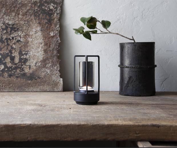Фото №1 - Портативная лампа Turn+ по дизайну Нао Тамуры