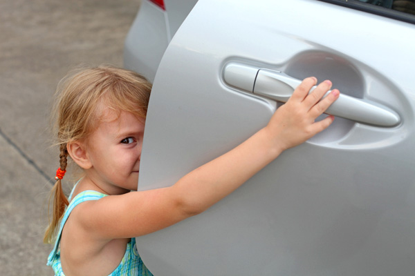 Фото №1 - Как обезопасить маленького пассажира?