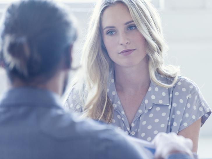 Фото №3 - Как тактично закончить неприятный разговор: 6 лайфхаков от психолога