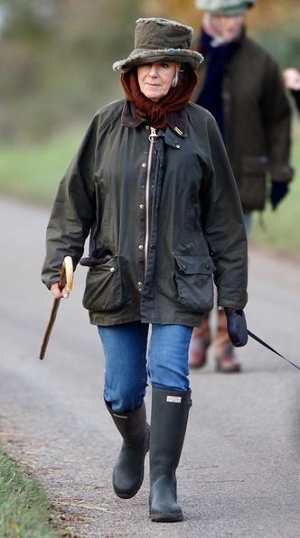 Фото №9 - Любимый бренд королевской семьи: как Виндзоры носят резиновые сапоги Hunter