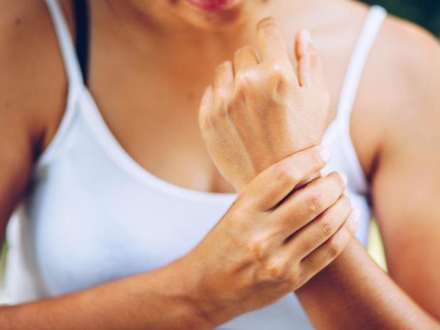 Фото №1 - Советы остеопата: почему немеют кисти рук, и как с этим бороться