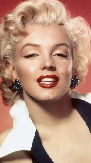 Фото №6 - От 1920-х до наших дней: как менялась мода на макияж губ за последние сто лет