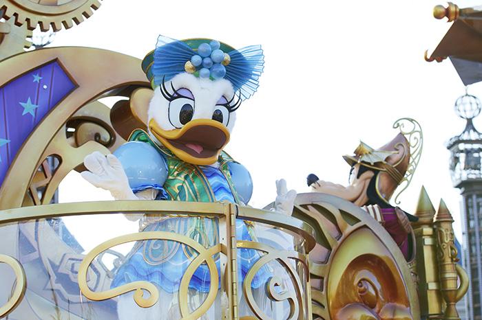 Фото №2 - Победители нашего конкурса побывали в Disneyland® Париж!
