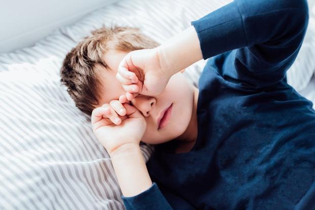 Фото №2 - Бруксизм: почему ребенок скрипит зубами во сне и чем ему помочь