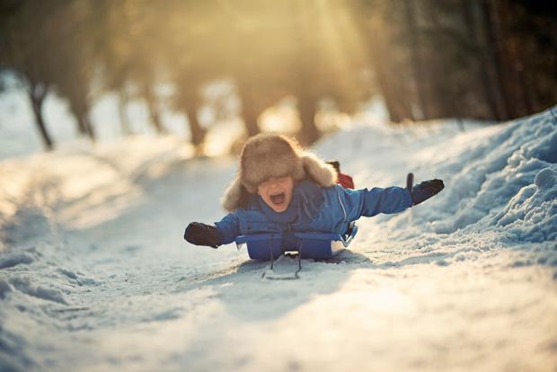 Фото №1 - При какой температуре за окном детям нельзя гулять и в школу