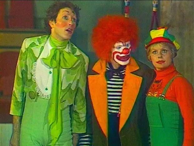 Фото №1 - 10 передач из нашего детства, которых сейчас так не хватает на ТВ