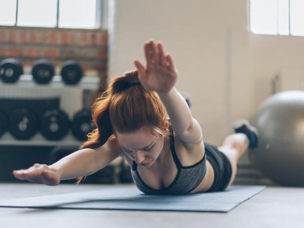 Фото №5 - Держим спину: 8 лучших упражнений для балетной осанки