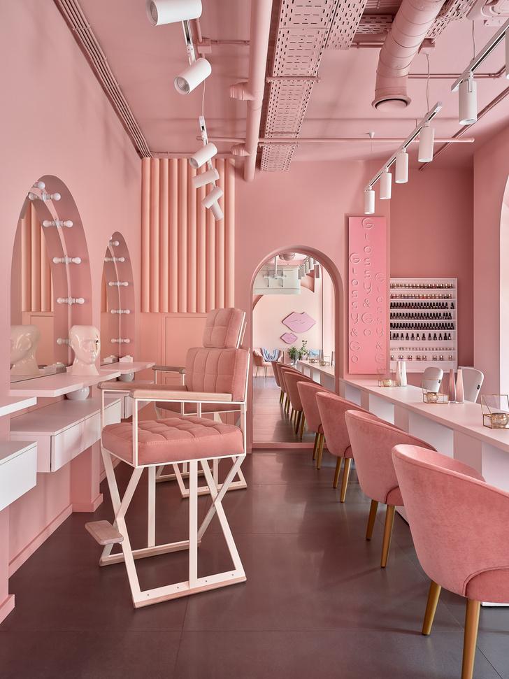 Фото №1 - Салон красоты Glossy & Go в Москве