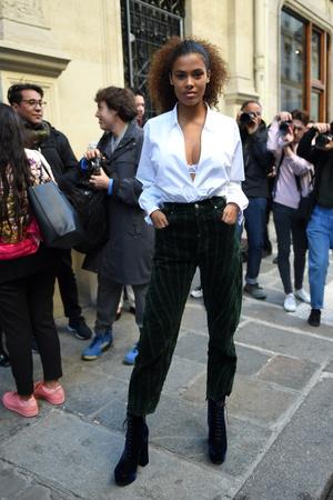 Фото №8 - Молода и прекрасна: чем Тина Кунаки покорила мир моды (и Венсана Касселя)