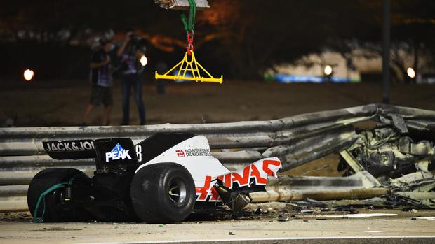 Фото №3 - В огне не горит: французский гонщик F1 выжил в страшной аварии