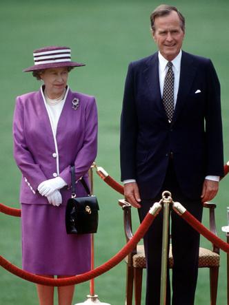 Фото №7 - Самый мистический камень: лучшие выходы королевских особ в аметистах