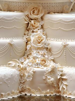 Фото №4 - Зачем Кейт и Уильям хранили свой свадебный торт семь лет (и для чего он им пригодился)