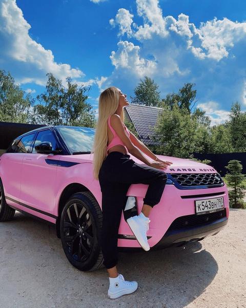 Фото №3 - Вот это сюрприз! Что сделали девушки из XO с машиной Мари Сенн?
