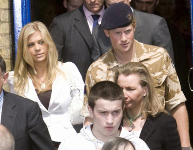 Фото №3 - «На кого ты их всех променял»: бывшие девушки принца Гарри, которые так и не стали его сужеными