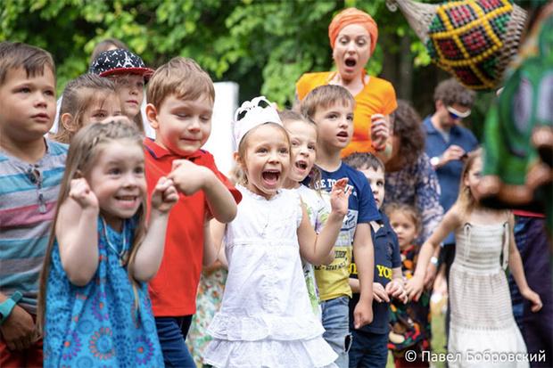 Фото №1 - Благотворительный фестиваль в Семейном парке развлечений Skazka