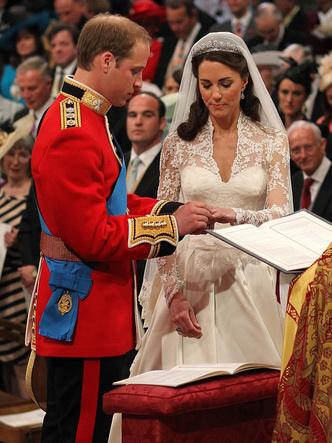 Фото №10 - Брачный конфуз: 7 неприятностей, случившихся на королевских свадьбах