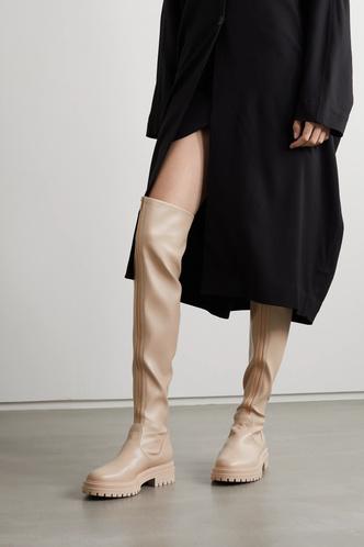 Фото №6 - Самая модная обувь сезона: где искать идеальные ботфорты (и с чем их носить)