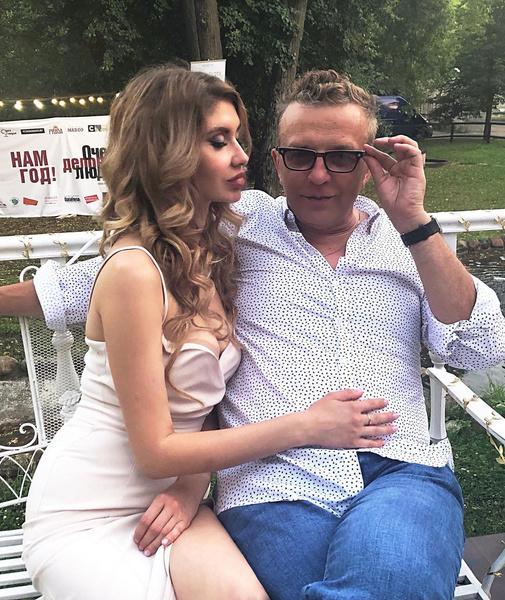 Фото №1 - «Удар был сильный»: жена Романа Жукова попала в аварию